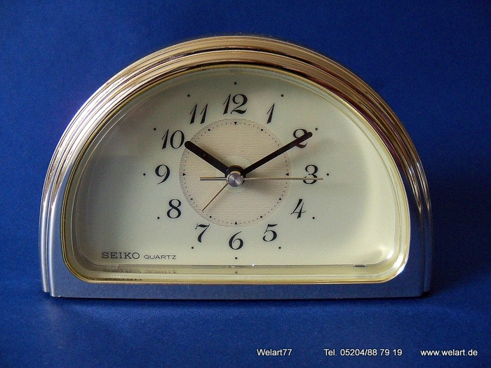 vintage seiko quartz analog wecker made in japan mit beleuchtung alarm clock ebay. Black Bedroom Furniture Sets. Home Design Ideas