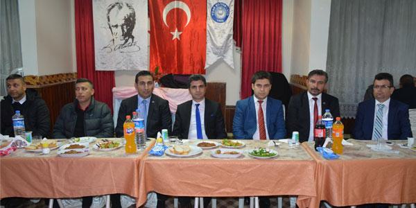 Türk Eğitim Sen gece düzenledi