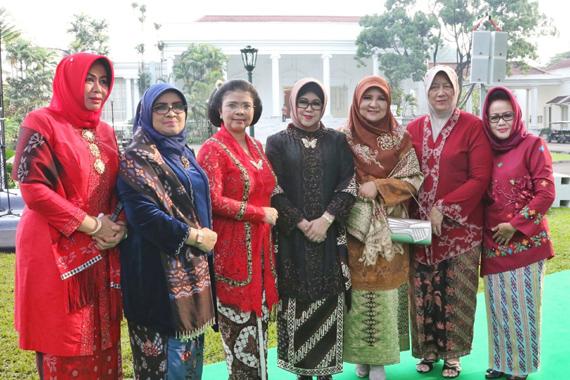 Bude Karwo Hadiri Peringatan Kartini di Istana Negara Bogor