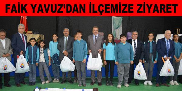 Ziyarette öğrencilere kırtasiye malzemesi dağıtıldı