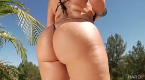 Nina Kayy – 45 Inches Of Ass (09.11.2018)