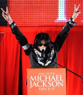 MICHAEL JACKSON THE KING OF POP RETURNS