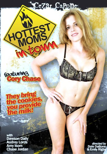 Hottest Moms In Town (720p) Cover